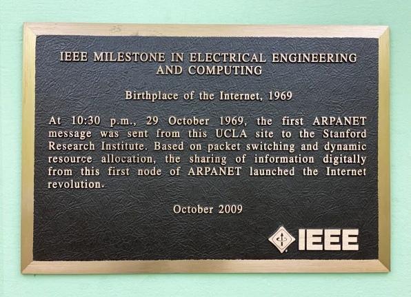 Мемориальная табличка в честь ARPANET