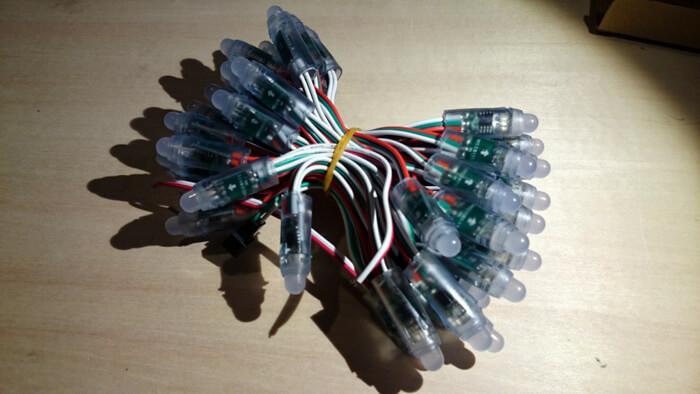 Светодиоды наподобие гирлянды